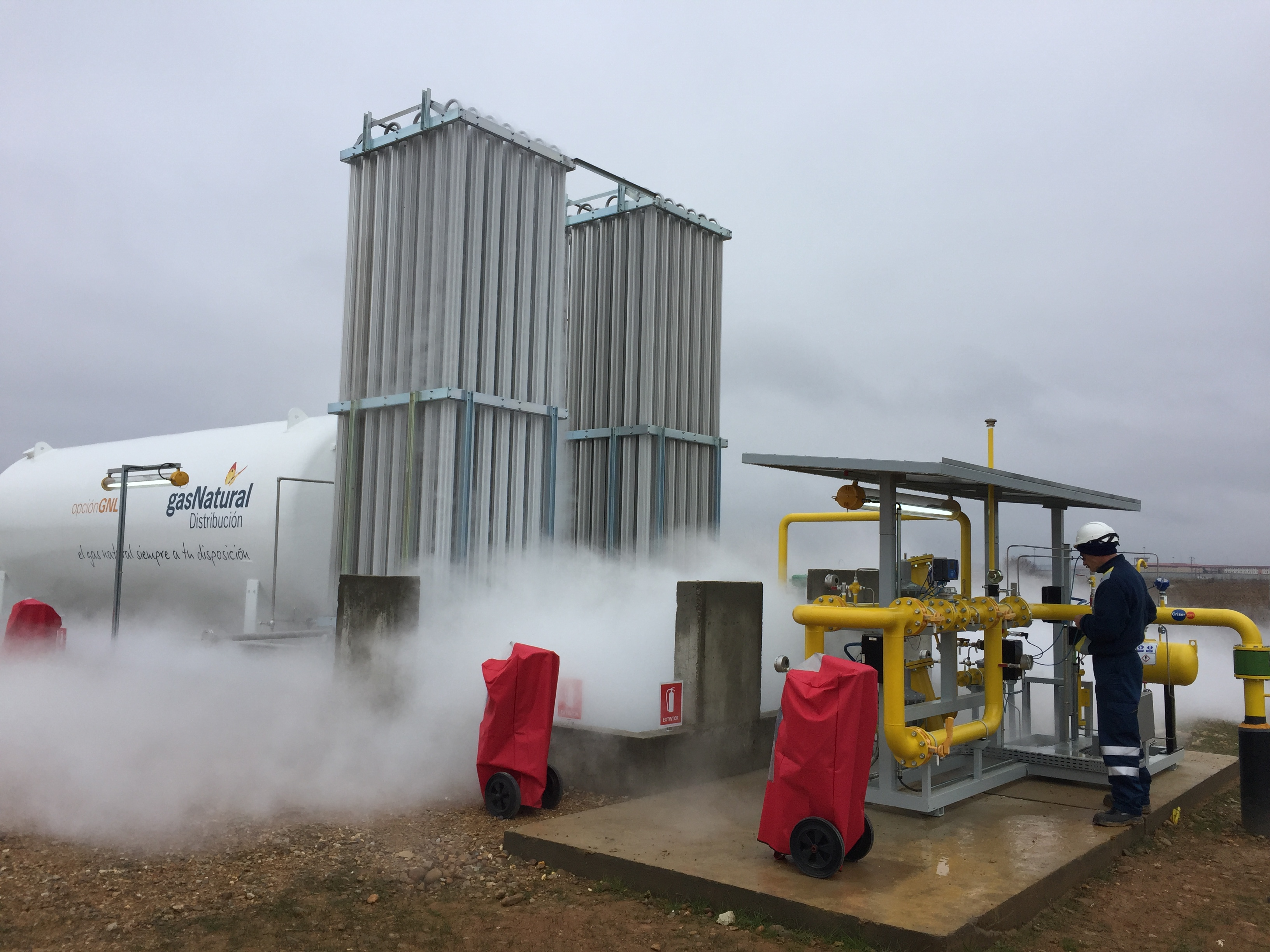 Instalaci n nueva derivaci n para suministro a planta de for Estanques de gas licuado