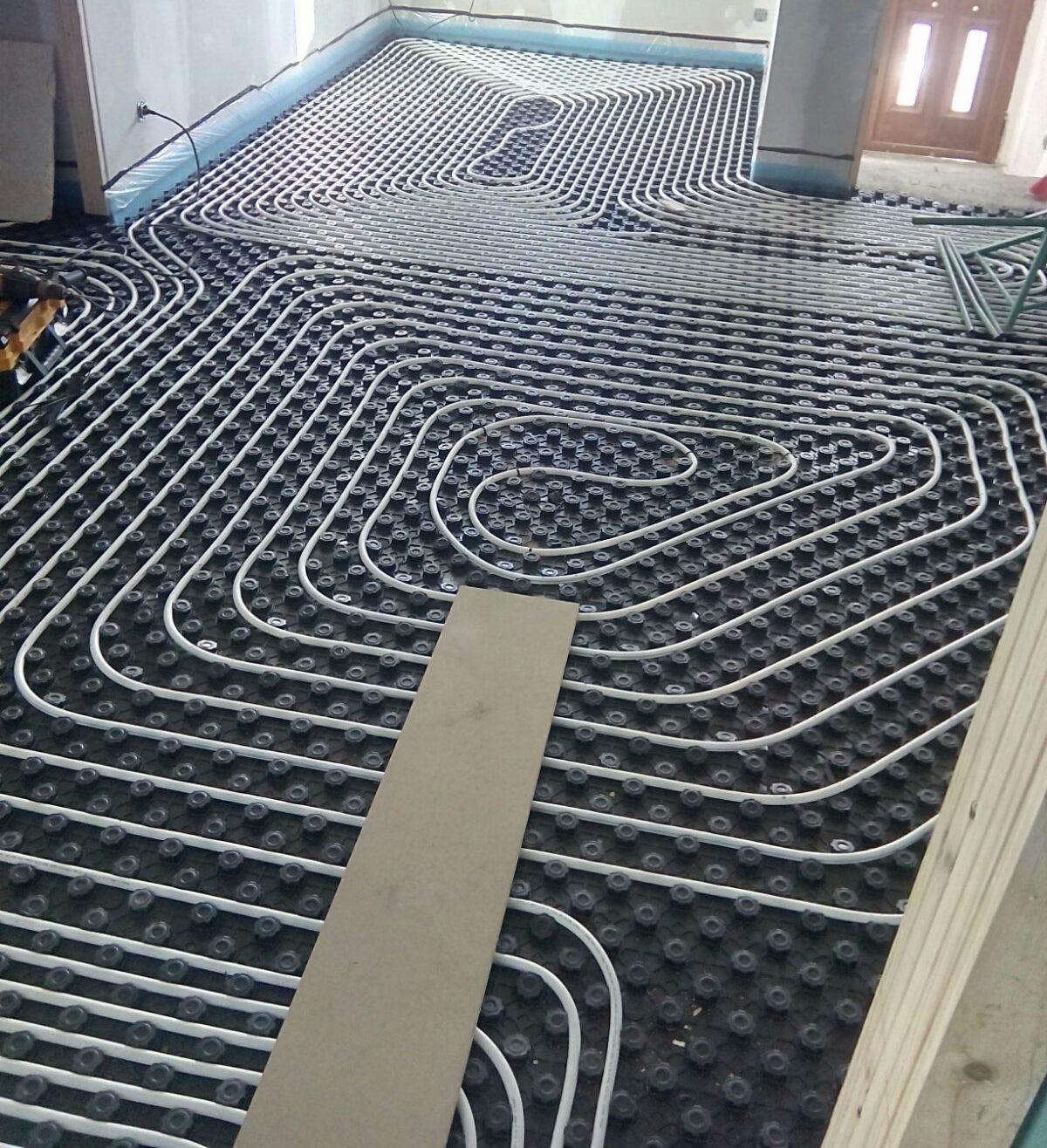 Instalación de suelo radiante en vivienda particular